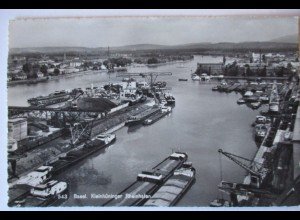 Basel, Kleinhüninger Rheinhafen, Schiffe