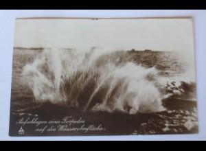 Marine, Aufschlagen eines Torpedos auf die Wasseroberfläche ♥