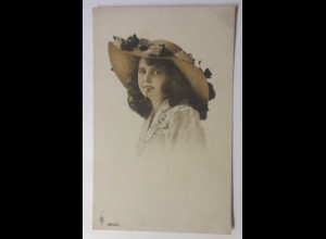 Frauen, Mode, Hutmode, 1918 ♥ (35570)