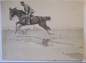 Soldat Pferd, Hindernisrennen Hürden, großes Photo 1916 Esch Ludwigslust (57300)