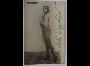 Mitzi Leyfried als Indianerin, Autogramm Fotokarte Straubing 1916 (47764)