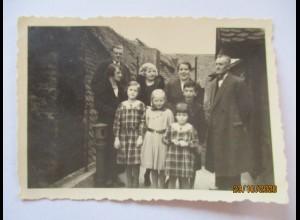Familie in Wachendorf, Agfa Foto (74266)